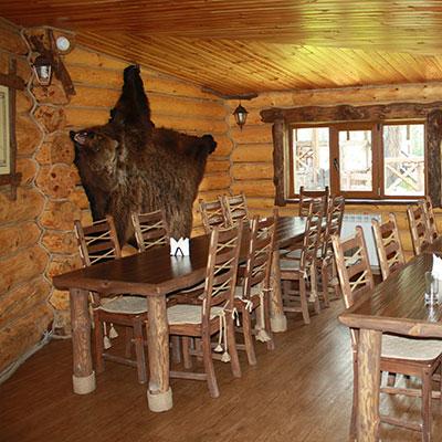 Ресторан, оформленный в русском стиле